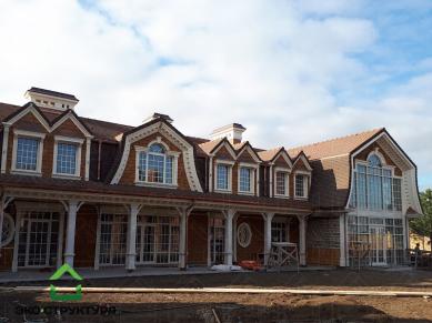 Деревянный фасад жилого дома