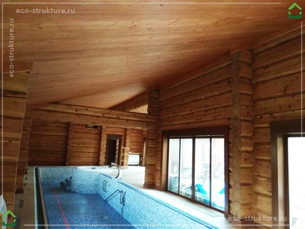 Спа-зона с отделкой потолка лиственницей