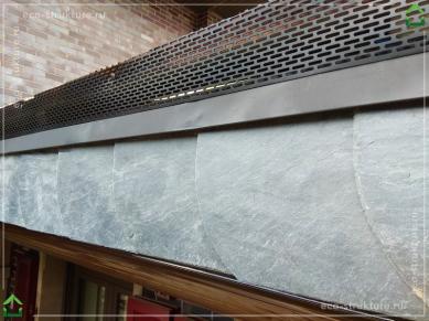 Установка вентиляционной ленты для защиты от насекомых